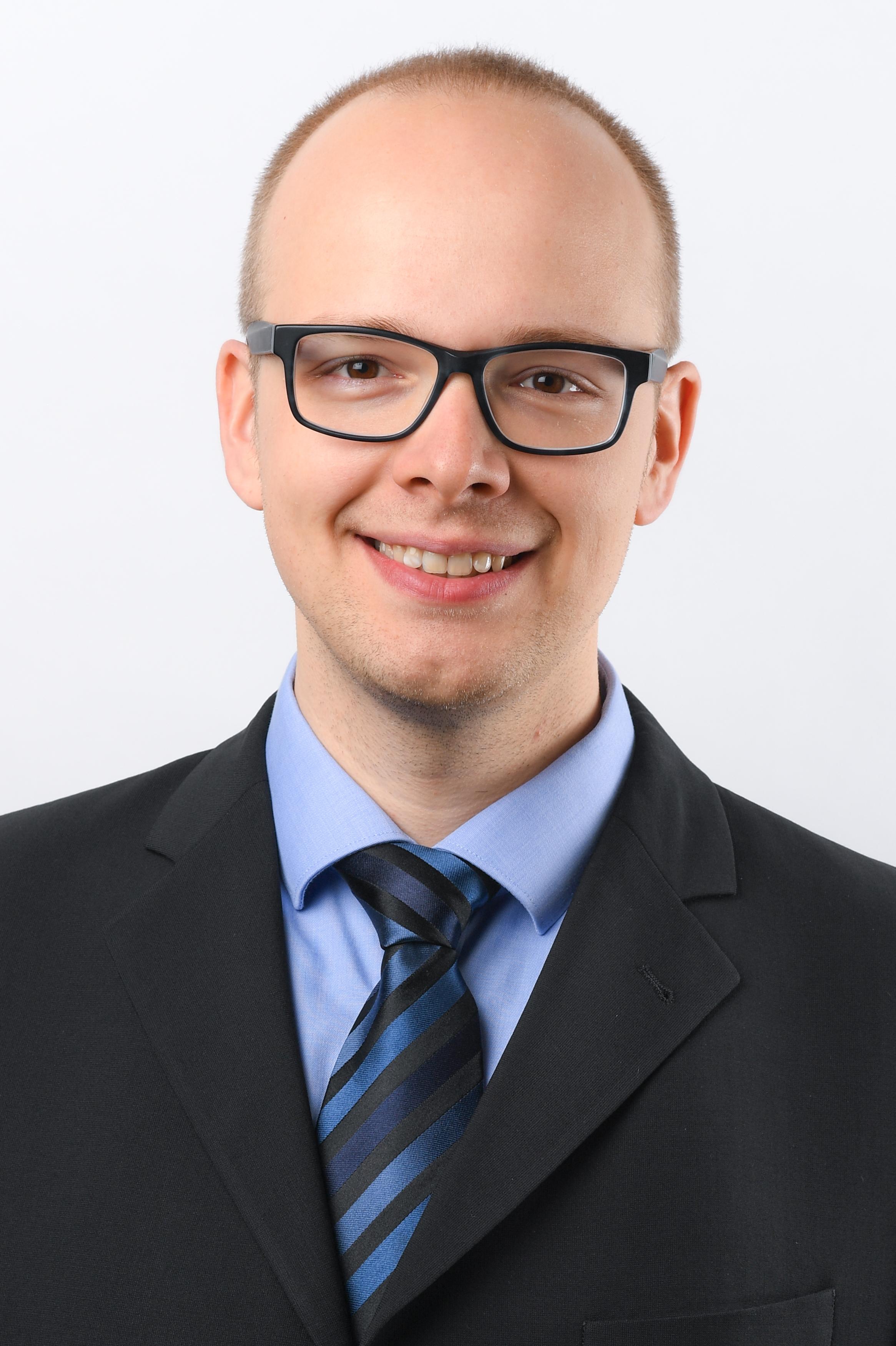 Dr. Hannes Müller